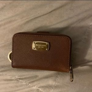 Michael Kors key holder, with zippered compartment